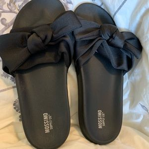 Women's bow slides